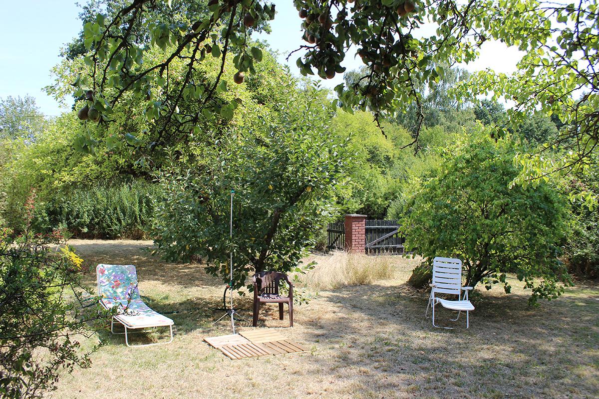Das Ferienhaus-Uckermark Garten, Solardusche und Sonne. Alles da im Boitzenburger Land schon ab 29,- Euro pro Tag