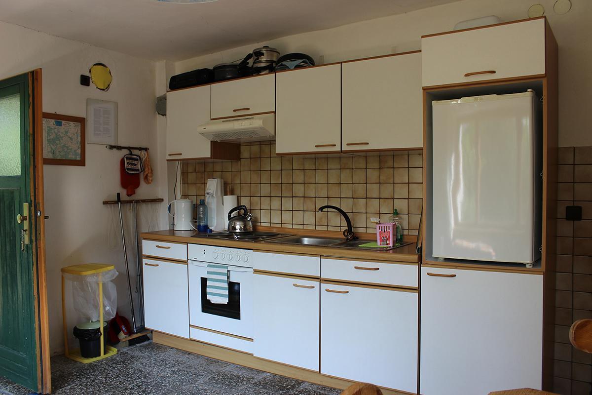 Das Ferienhaus-Uckermark Küche mit Küchenzeile für Selbstversorger Urlaub im Boitzenburger Land schon ab 29,- Euro pro Tag