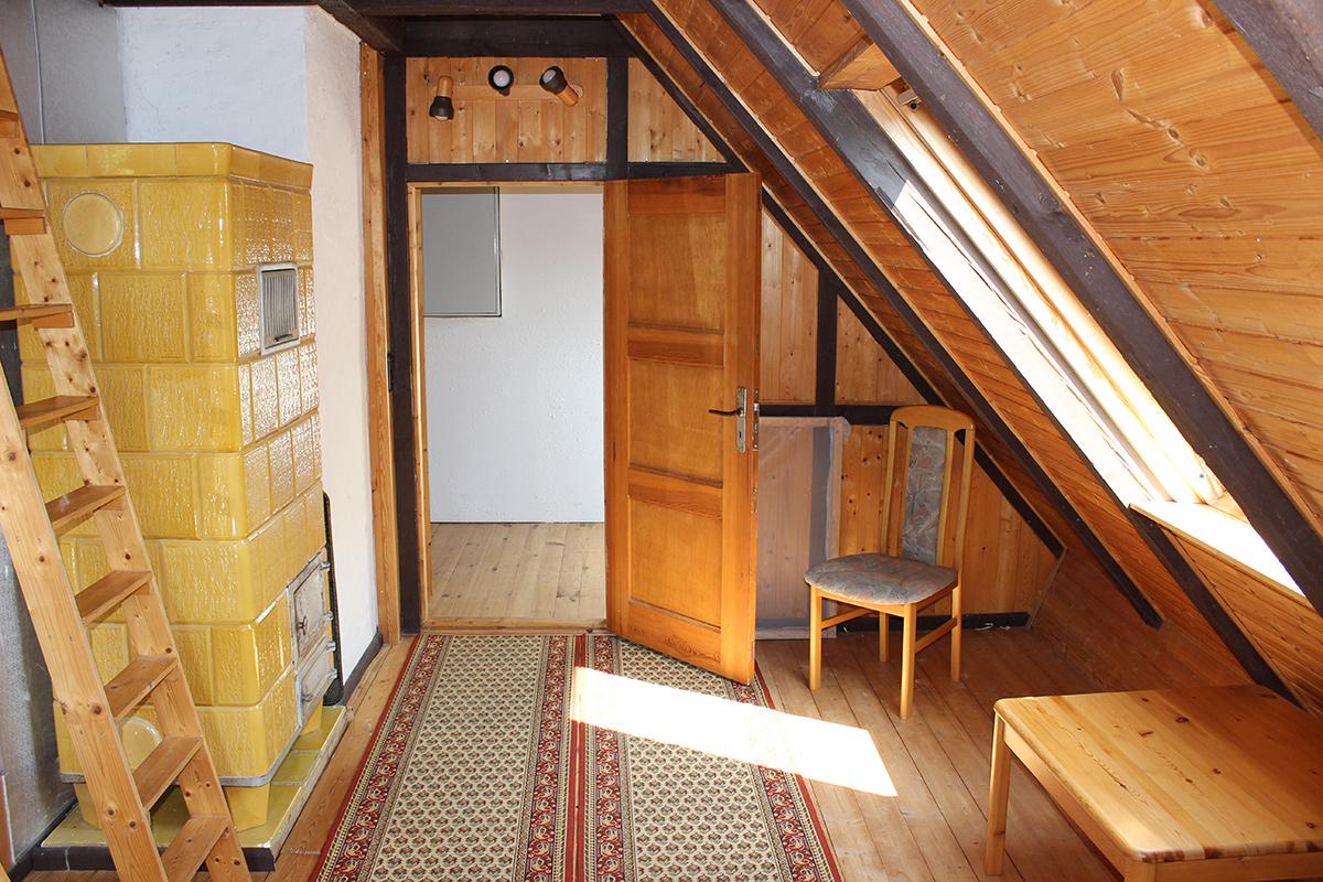 Ferienhaus-Uckermark Schlafzimmer links im Obergeschoss links für die Selbstversorger Ferien im Boitzenburger Land schon ab 29,- Euro pro Tag