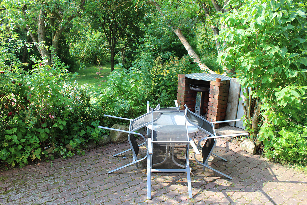 Ferienhaus-Uckermark Terrasse und Grillplatz auch für BBQ und Smoker. Ferien und Urlaub im Boitzenburger Land schon ab 29,- Euro pro Tag