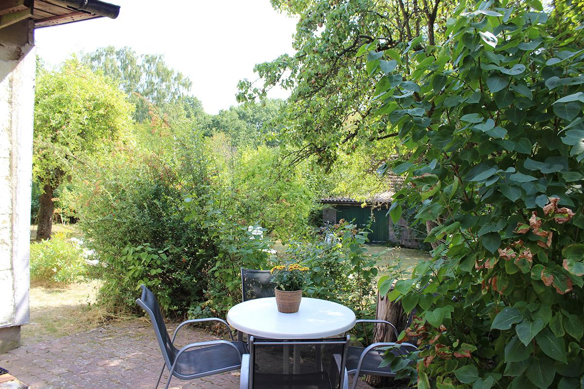 Ferienhaus-Uckermark Terrasse und Grillplatz auch für Raucher und Smoker Ferien und Urlaub im Boitzenburger Land schon ab 29,- Euro pro Tag